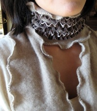 neck scarf cropped tight