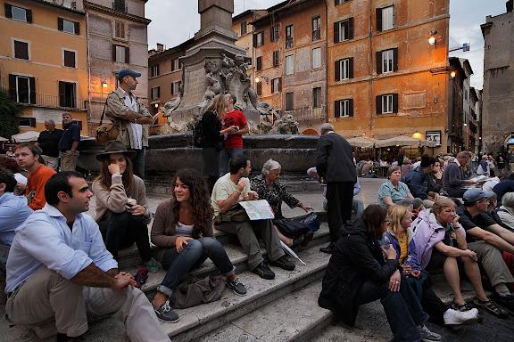 Piazza della Rotonda, situada frente al Panteon.Roma, Italia.