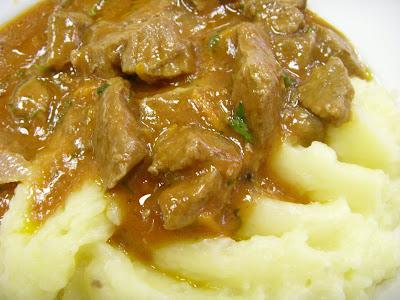 マッシュポテトと肉の煮こみ