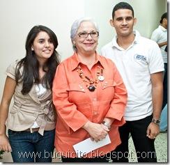 Mádeline Guzmán, Lizzie Sánchez de Roques y Evelio Vásquez
