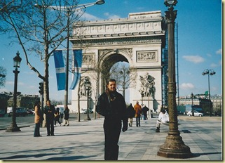 RADHAMES EN PARIS