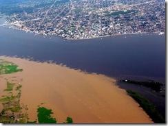 Encontro das Aguas do Rio Amazonas com o Rio Tapajós