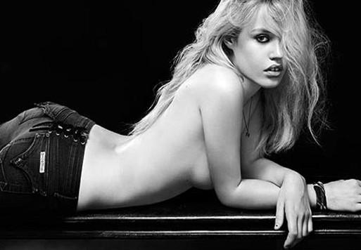 Video modelo adolescente en topless