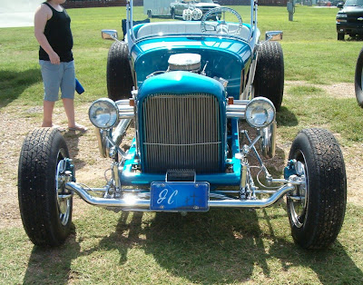 Front View 1927 T-Bucket Roadster at Buckethead Bash