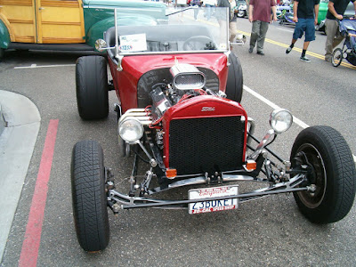 Patrick Copeland's Ford powered T-Bucket at El Segundo Main Street car show