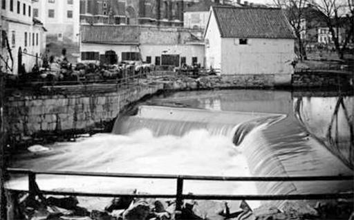 svartvit bild på Kvarnfallet 1875-1885