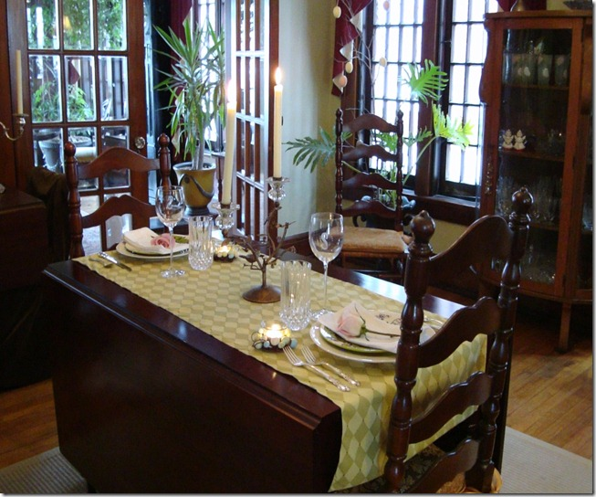 East Table Setting 008