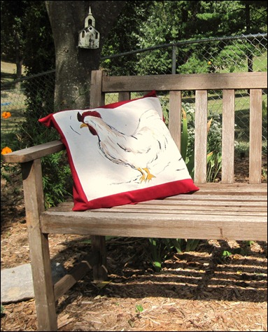 Rooster pillow and free bench 001