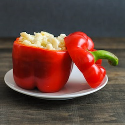 Italian Mac and Cheese Stuffed Peppers #SundaySupper #GGHoliday2013