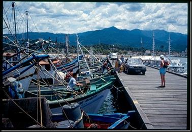 Paraty - havnen med fjellene