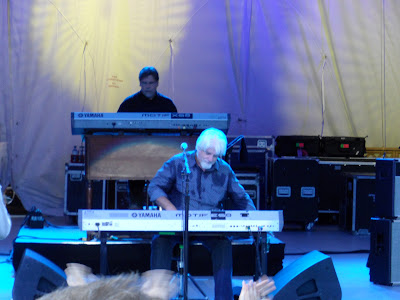 Michael McDonald put his all into the concert, if you cant tell by the sweat on his shirt. He is a really kick-ass musician with a very talented backing band, in case you didnt know.