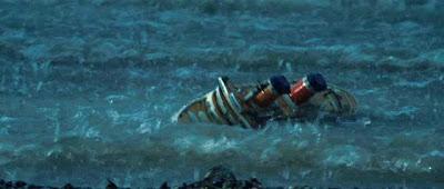 Naufragiul unui vapor de jucărie