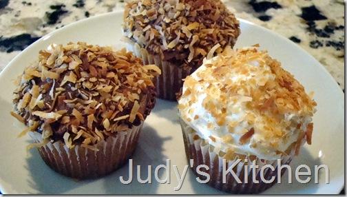 sour cream vanilla cupcakes (4)