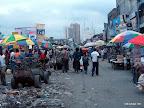 Vue du grand marché de Kinshasa, sur l'avenue Bokasa.