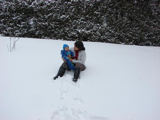 Murilo ama brincar na neve!