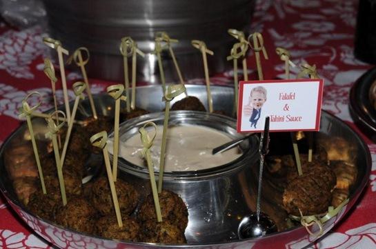 Comidas - mesa  na cozinha - falafel