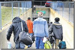 Une trentaine de personnes ont découvert leur nouveau lieu d'hébergement. Ils y resteront trois à six mois au maximum. Nyon, le 16 février 2009 (Anne Rouèche)