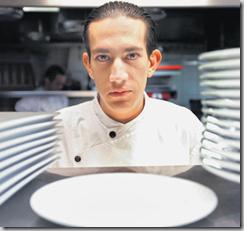 Mauricio Catota, sous-chef, a réussi à grimper bien des échelons dans les cuisines du Lausanne Palace (photo Vanessa Cardoso)