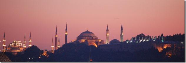 Turkia 2009 - Estambul  - Uskudar, Harem (lado asiatico del Bosforo)    382