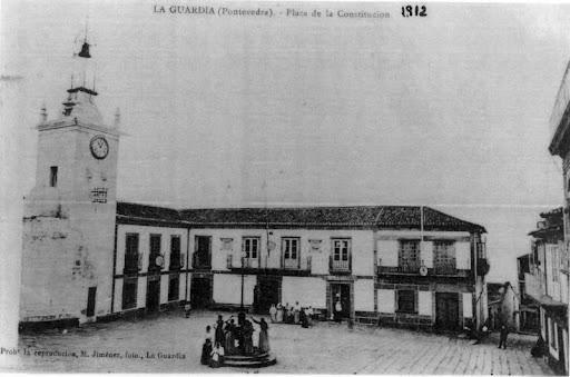 Plaza de la Constitución , actual Plaza del Reló, 1920  foto de D. Mariano Jimenez