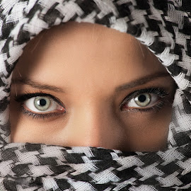 Eyes by Giovanni Bartolomeo - People Portraits of Women ( looking, woman, portraits, portrait, eyes )