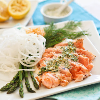 Salmon Tataki with Creamy Lemon Dill Sauce