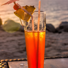 Cocktail at sunset by Vibeke Friis - Food & Drink Alcohol & Drinks ( orange, cocktail, dringk )