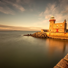 Howth Harbour Lighthouse by Ryszard Lomnicki - Buildings & Architecture Other Exteriors ( howth harbour lighthouse, howth, ireland, dublin, lighthouse, galway, long exposure, sunrise, longexposure,  )