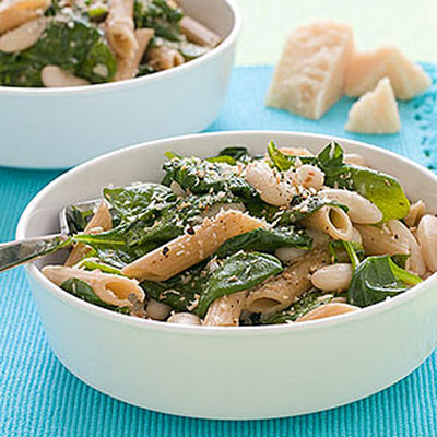 Whole-Wheat Pasta with White Beans and Spinach