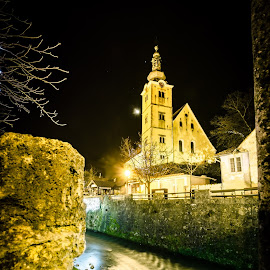 Samobor night shot by Davor Đopar - Buildings & Architecture Places of Worship ( church, samobor, croatia, night, light, night shot, hrvatska, samobor noc, river,  )