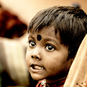 innocent eyes.... by Debkumar Majumder - Novices Only Portraits & People