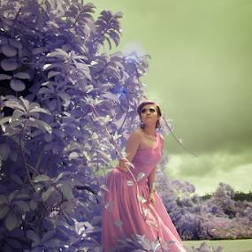 vitria glamour  by Andika K Wardana - People Fashion