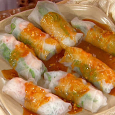 Pork and Shrimp Spring Roll (Goi Cuon) with Peanut Sauce (Nuoc Leo)