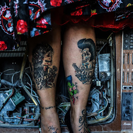 Day of the dead by Stephanie Örjas - People Body Art/Tattoos ( shoes, red, dress, tattoos, tv, legs, day, tattoo, dead, black, abandoned,  )