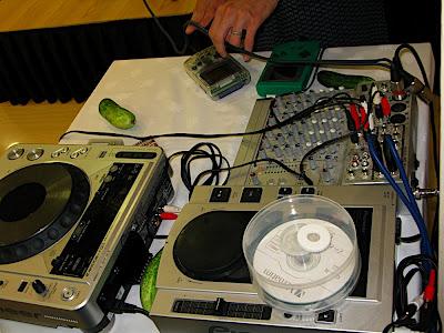 el equipo de sonido 音響機材 sound equipment