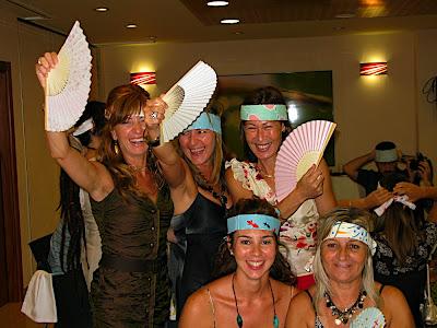 Gente con el tenugui en la cabeza 手ぬぐいをするスペイン人 People with tenugui on their heads