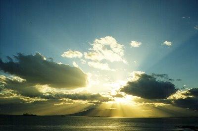 [sol-nubes-mar[3].jpg]