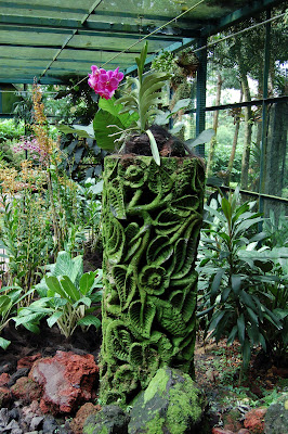 Orchid display carved column