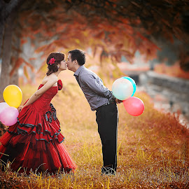 balloon by Ivanko Junalta - Wedding Bride & Groom ( tree, wedding, bride, balloon, groom,  )