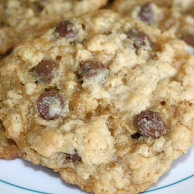 Oatmeal Chocolate Chip Cookies With A Crispy Surprise!