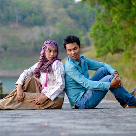 sayang by Andy Alexandy - People Couples ( love, couple, nikon d, landscape, nikon )