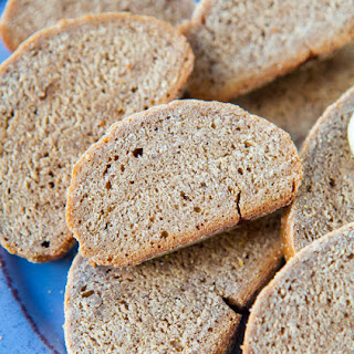 Outback Steakhouse Wheat Bread {Copycat Recipe- vegan}