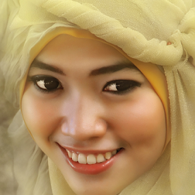 Anindya by Lay Sulaiman - People Portraits of Women ( close_up,  )