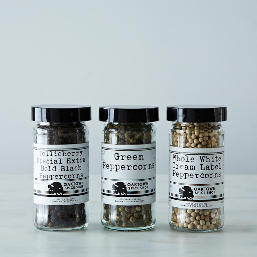 Oaktown Spice Shop Tellicherry, White and Green Whole Peppercorns