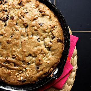 Banana, Walnut & Chocolate Cookie Cake