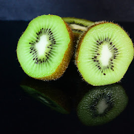 Kiwi slices by Prasanta Das - Food & Drink Fruits & Vegetables ( fruit, kiwi, slices, close up )