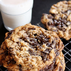 Flourless Peanut Butter Oatmeal Chocolate Chunk Cookies