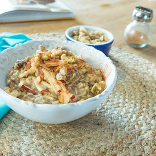 Whole Oat Groats with Apples and Cinnamon