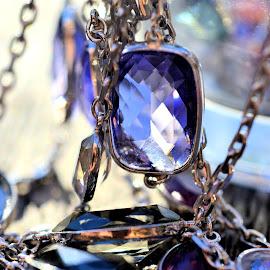 Purple gems by Heather Aplin - Artistic Objects Jewelry ( macro, gems, purple, chain, glass )
