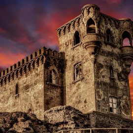 Game of thrones. by Yara GB - Buildings & Architecture Statues & Monuments ( middle ages #castle sunset sky architecture historic nikon yara gb )